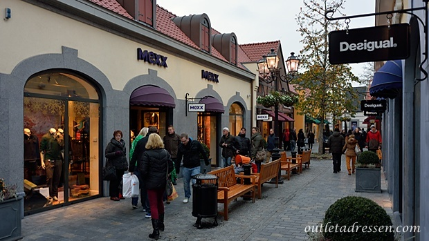 Designer outlet roermond for Designer wohnaccessoires outlet